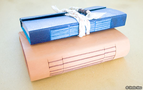 Longstitch bookbinding tutorial for a leather journal tortagialla with solutioingenieria Choice Image